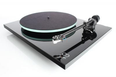 Rega Planar 2 (P2) Turntable - Black Gloss