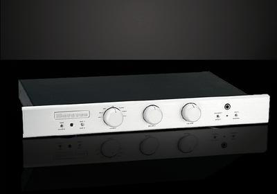 BRYSTON BP26 Preamplifier with Built-in MM/MC Phono