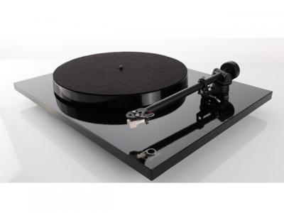Rega Planar 1 PLUS Turntable with Built-in Moving Magnet Phono Stage (Gloss Black)